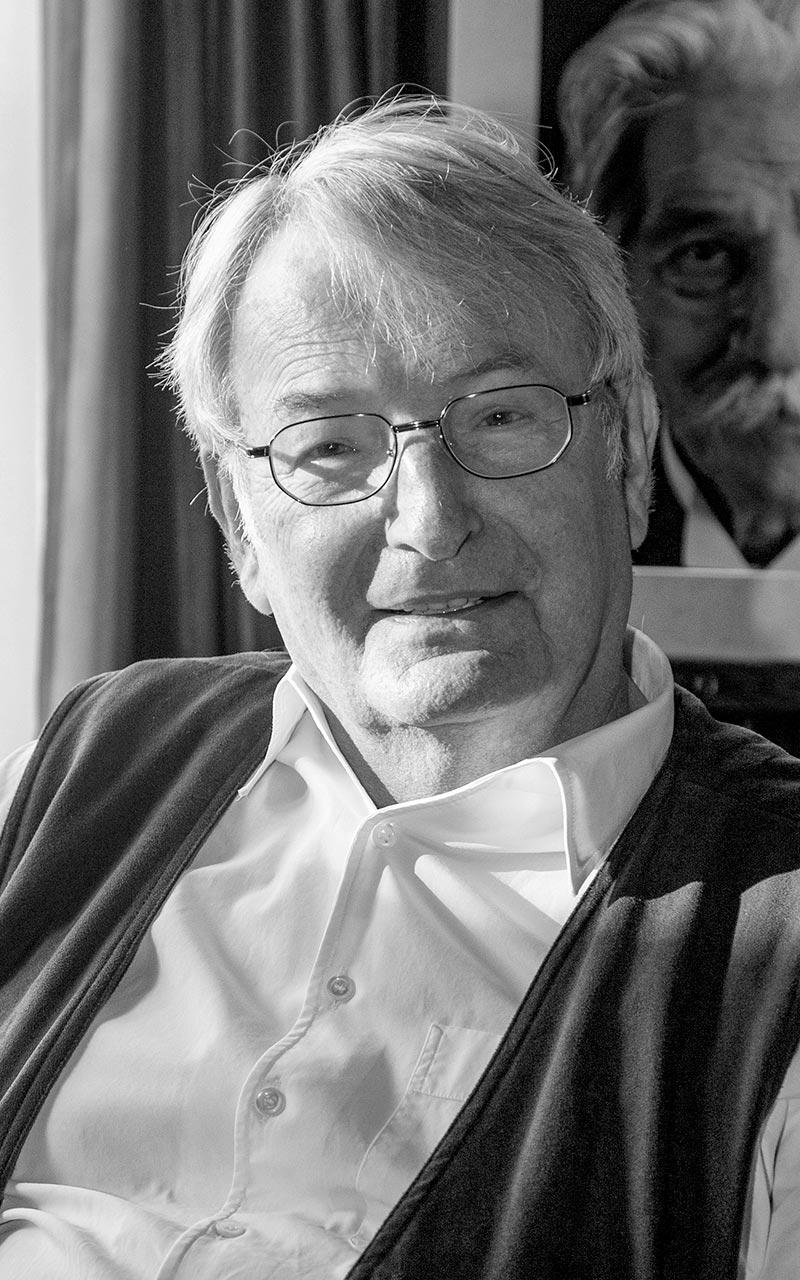Dr. Einhard Weber